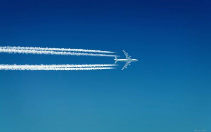 Полосы-от-самолета