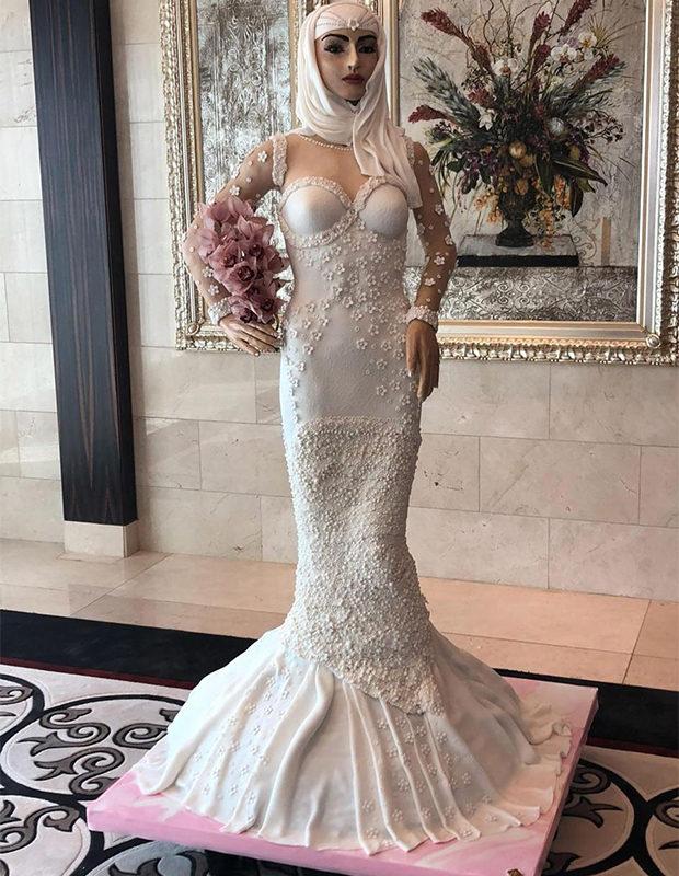c75f4be3a6b В Дубае испекли торт в виде невесты в полный рост - N4A - Интересные ...
